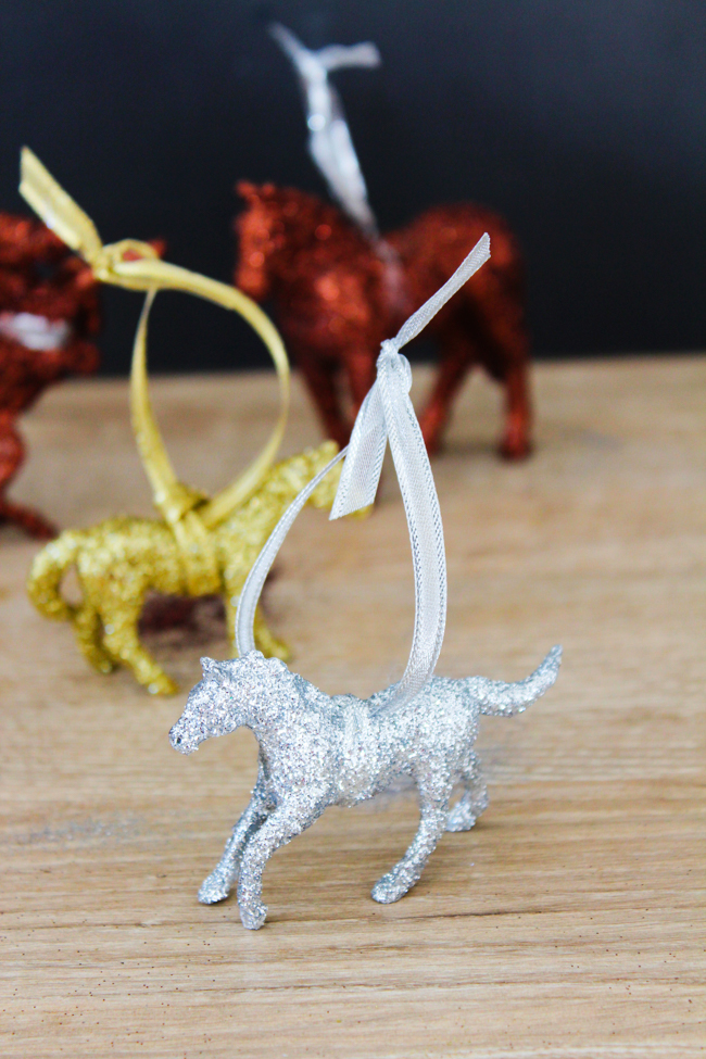 DIY glittery horse ornaments