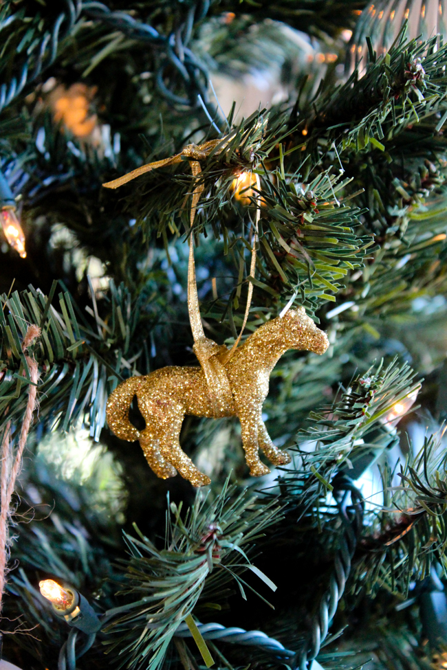 gold glittery horse ornament DIY